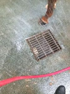 using water pressure to unclog drains